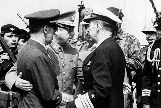 Augosto Pinochet with Air Force officers