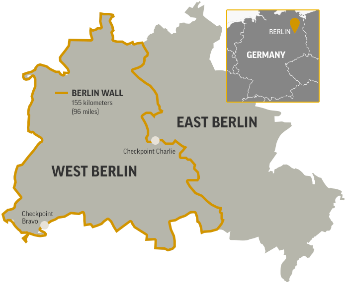 map of the berlin wall separating west berlin and east berlin